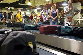 Warten auf den Koffer: Die meisten Gepäckstücke tauchen nach spätestens zwei Tagen wieder auf