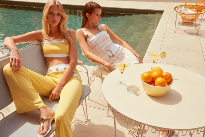 Von der Münchener Theatinerstraße ins Internet:Mytheresa inszeniert in ihren Kampagnen Mode mit Luxuslebensstil.