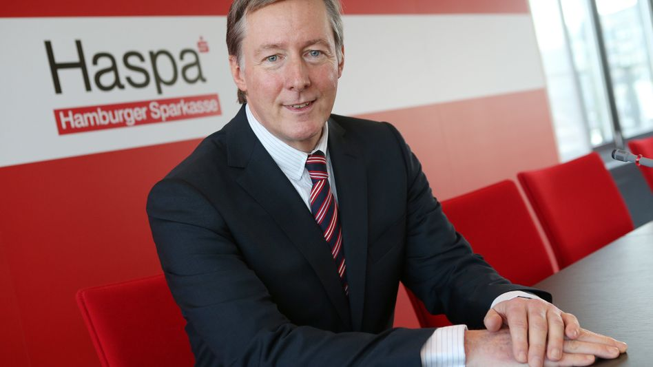 Hat es auch nicht leicht: Haspa-Vorstandssprecher Harald Vogelsang.