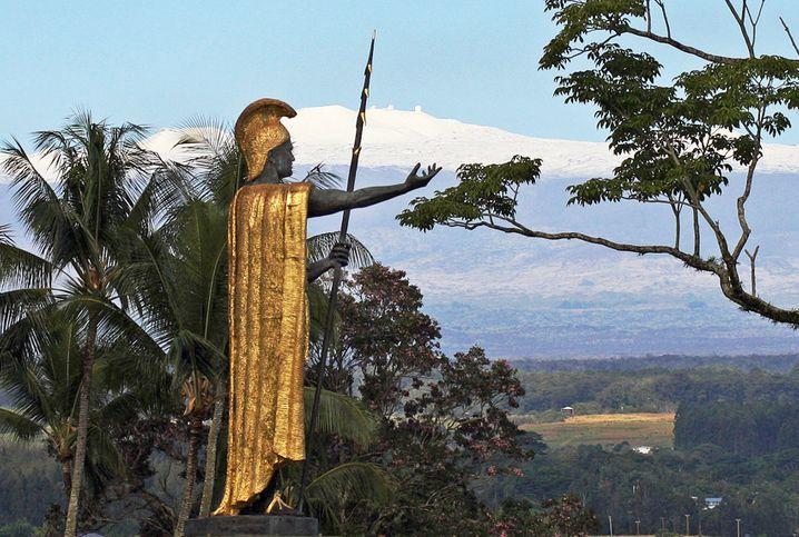 Klassiker: Von Hawaii nach Amsterdam fliegen und die Statue des Königs Kamehameha besuchen