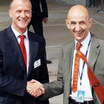 Einigung erzielt: Louis Gallois (r.) wird alleiniger EADS-Chef, Thomas Enders übernimmt die Airbus-Führung