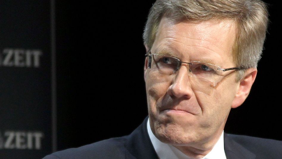 Gegen Bundespräsident Christian Wulff gibt es N neue Vorwürfe wegen einer angeblich verschwiegenen Geschäftsverbindung