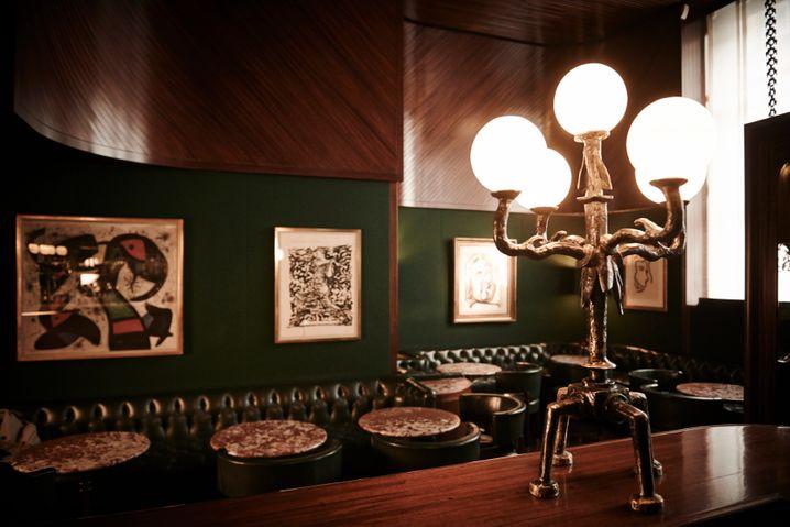 """Mittagsmix:Die """"Kronenhalle"""" liefert Kunst an der Wand und im Glas"""