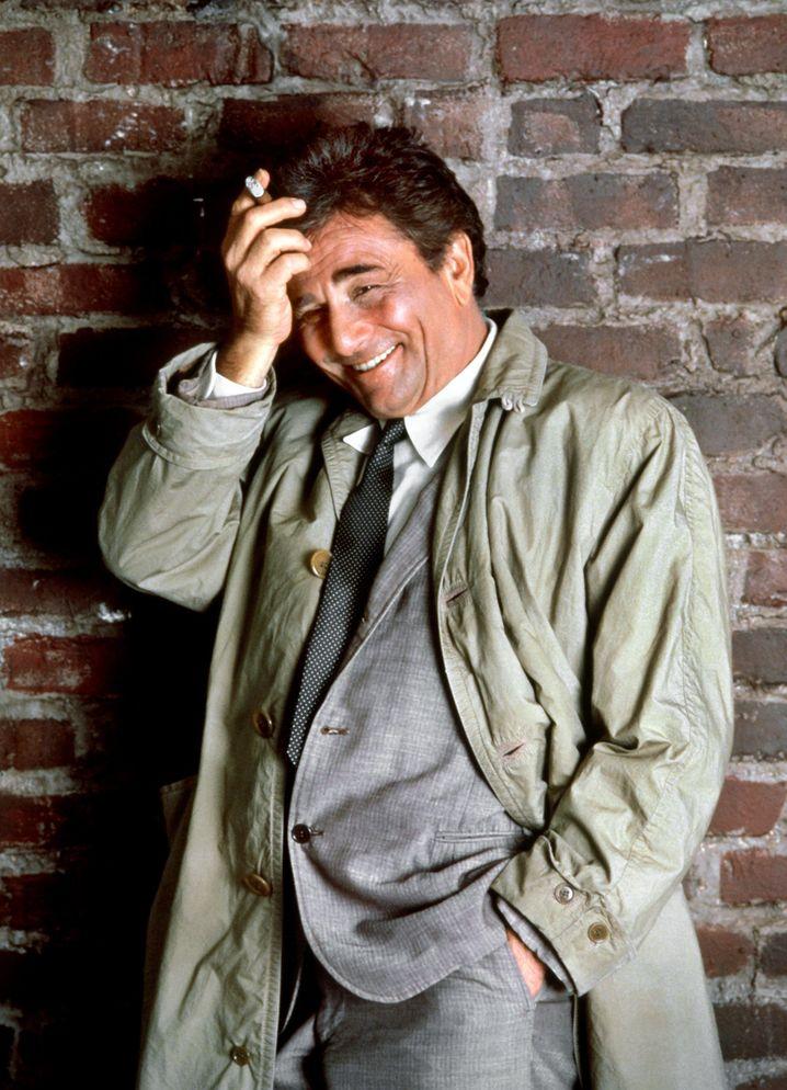 Peter Falk alias Kommissar Columbo, Humphrey Bogart oder Horst Tappert alias Stephan Derrick: Prominente Trenchcoat-Träger gibt es viele. Zuerst wurde der bekannte Regenmantel-Typ allerdings von britischen Offizieren genutzt