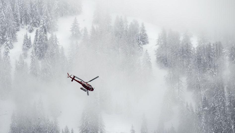 Rettungshubschrauber in den Alpen