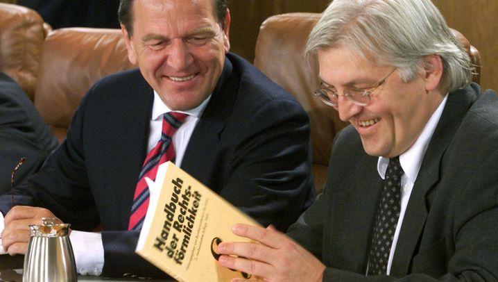 Frank-Walter Steinmeier: Vom Staatssekretär zum Kandidaten für das Bundespräsidentenamt