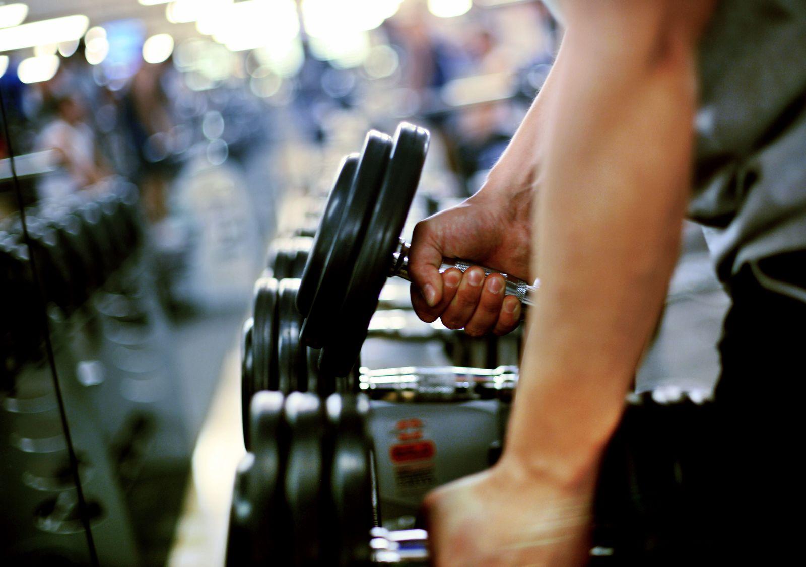 Fitnessstudio / Hanteln / Bodybuilding