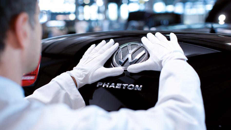 Keine Elektroversion des Luxusmodells Phaeton: Die seit Jahren laufende Entwicklung einer neuen Phaeton-Generation hatte VW-Markenchef Herbert Diess bereits im vergangenen Herbst gestoppt