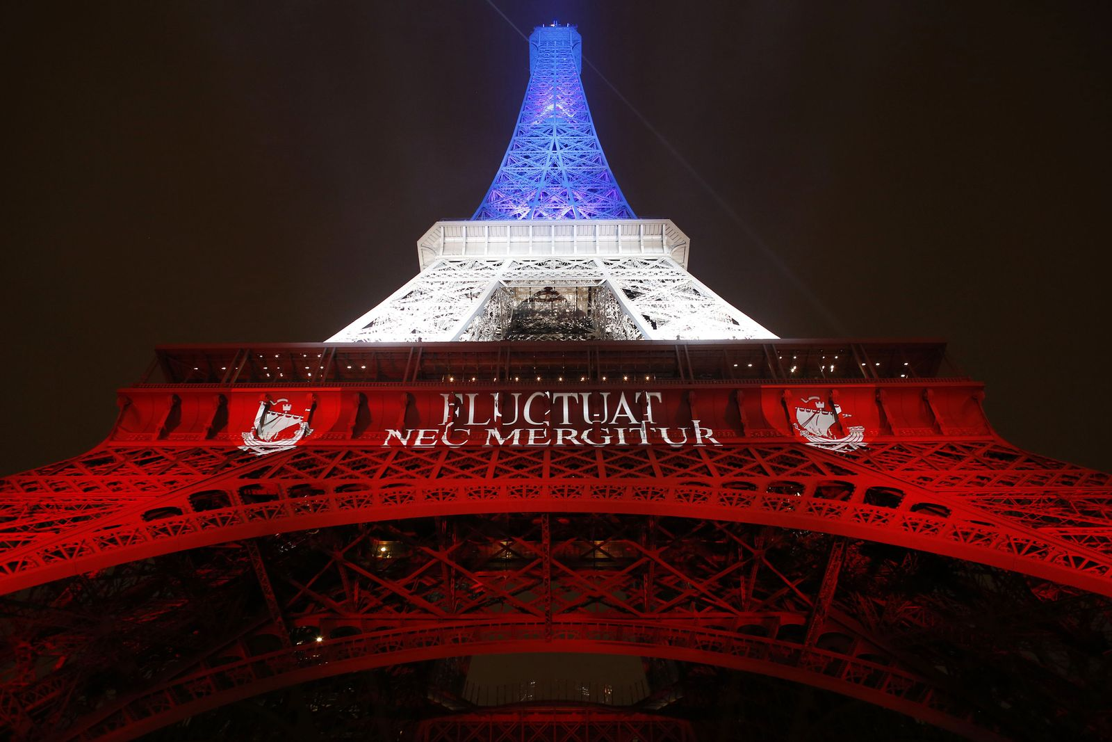 Eiffelturm / Anschläge