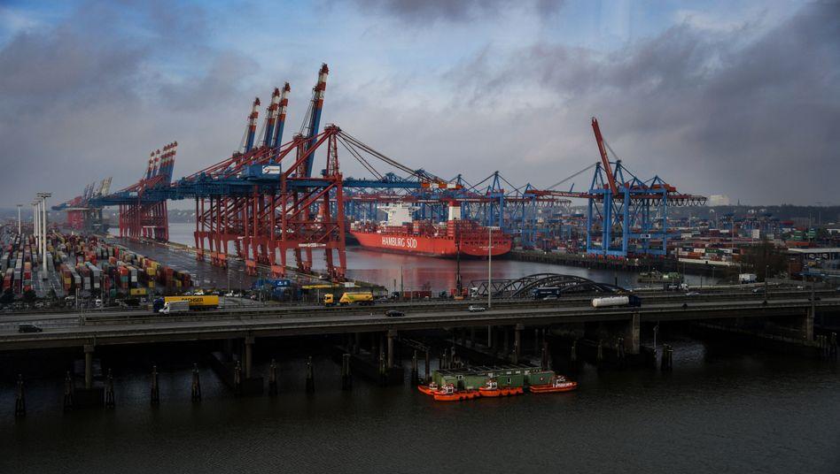 Dunkle Wolken ziehen am Konjunkturhimmel auf: Erstmals seit Anfang 2015 ist die deutsche Wirtschaftsleistung wieder gesunken