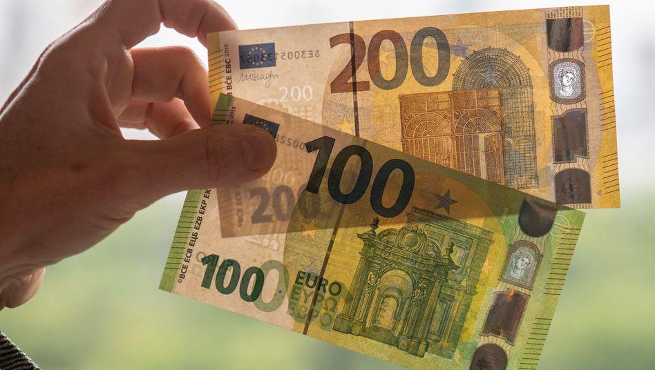 Euro-Scheine: Die europäische Gemeinschaftswährung ist an den Finanzmärkten seit Wochen gefragt.