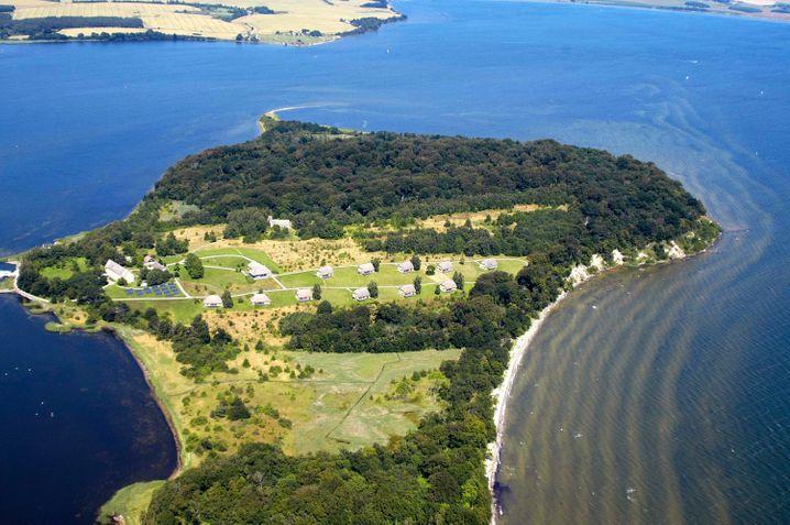 Die Insel Vilm ist ein Naturreservat - touristische Übernachtungen sind dort nicht erlaubt.