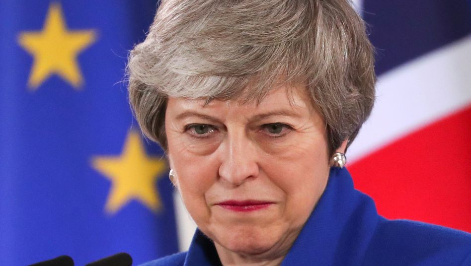 """Theresa May: """"Let us do a deal"""""""