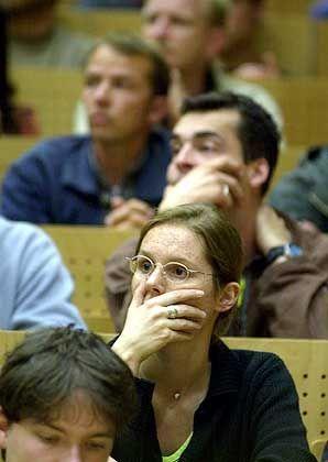 Deutsche Universitäten: Überfüllte Hörsäle