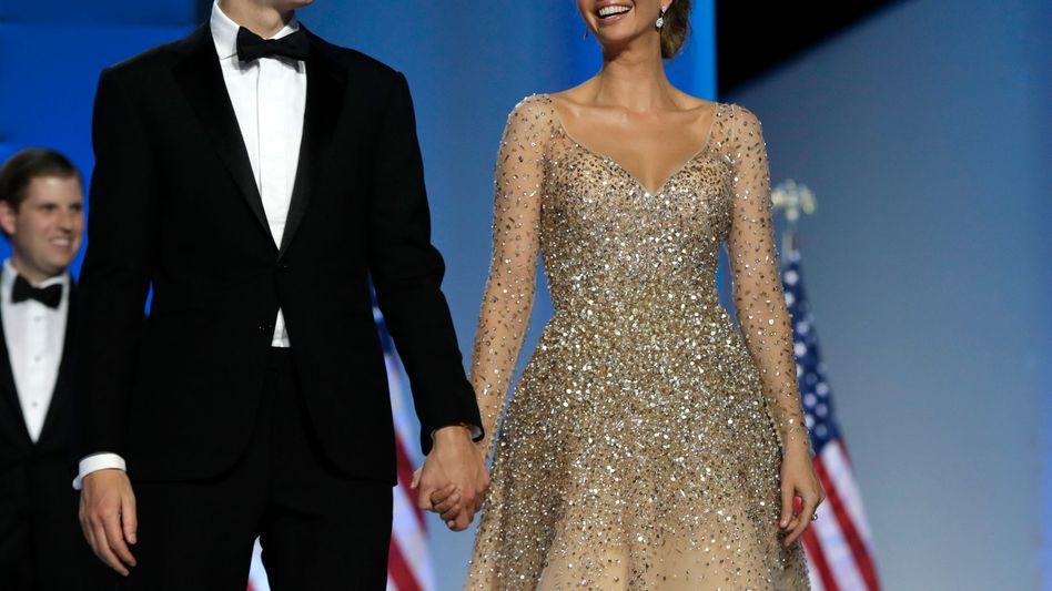 Immer mittendrin: Ivanka Trump mit Ehemann und Präsidentenberater Jared Kushner am Tag der Amtseinführung ihres Vaters.