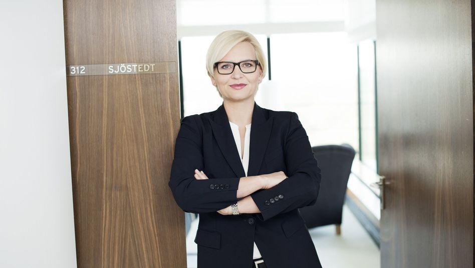 """Gradliniger Abtritt von Ex-Karstadt-Chefin Sjöstedt : """"Ich kann meinen Erfolgs-Weg nicht durchziehen, weil es an Unterstützung mangelt. Deswegen gehe ich!"""""""