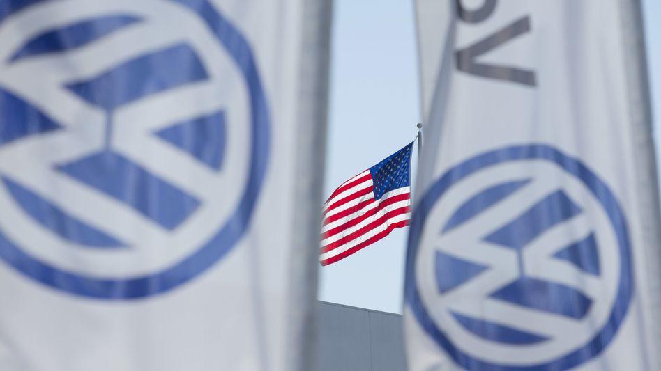 Flagge zeigen in USA: In dem Land, in dem Volkswagens Abgasskandal seinen Anfang nahm, begeistern sich Investoren nun für die Aktien des Konzerns