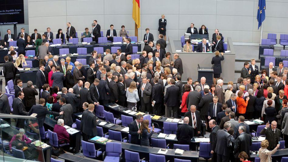 Abstimmung im Bundestag: 487 der 601 anwesenden Abgeordneten votierten für die Zypern-Hilfen