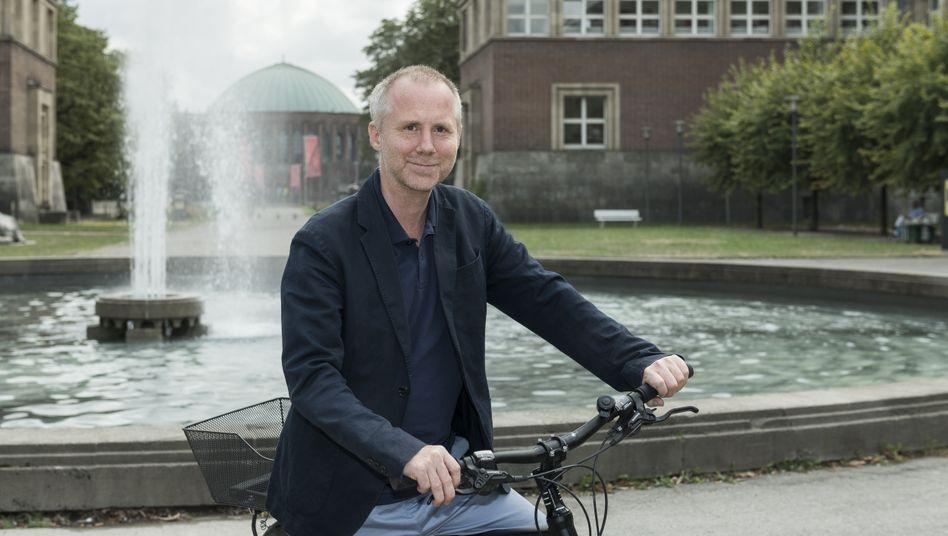 Koryphäe: Felix Krämer (46) studierte Kunstgeschichte, Archäologie und Volkskunde. Er gilt als einer der besten Kuratoren Europas.