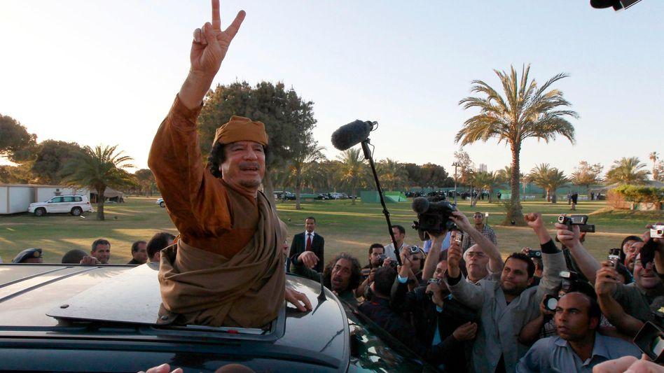 Diktator Gaddafi: Klammert sich mit allen Mitteln an die Macht