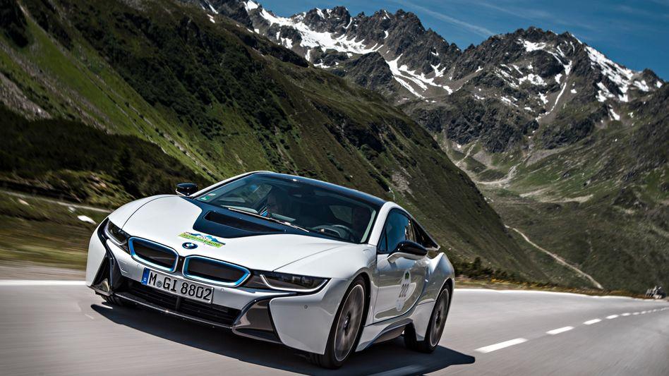Soll künftig auch alleine fahren können: BMW i8.