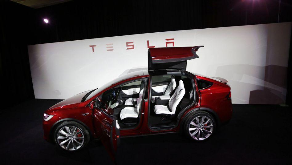 Teslas Model X: Die Flügeltüren beflügeln nun einen Rechtsstreit