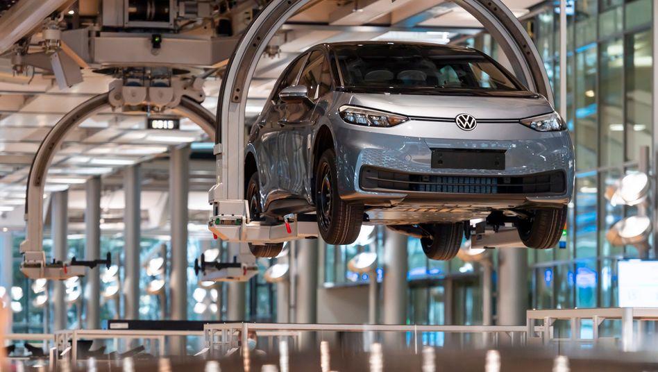 Schwung nach vorn: Elektroauto VW ID.3 im Volkswagen-Werk Zwickau