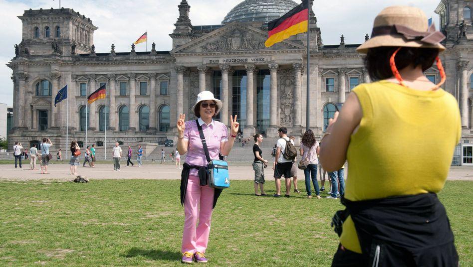 Finanzielle Entspannung in den Sozialkassen: Deutschland kann ein kleines gesamtstaatliches Plus vorweisen