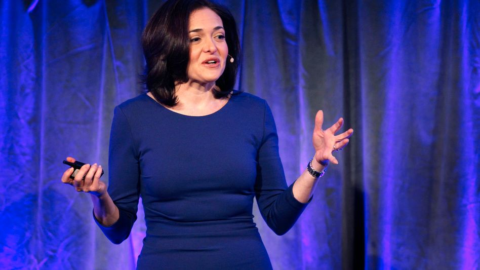"""Sheryl Sandberg von Facebook dürfte nicht zu den Frauen gehören, denen vorgeworfen wird, sie achte zu sehr auf die eigene """"work-live-balance""""."""