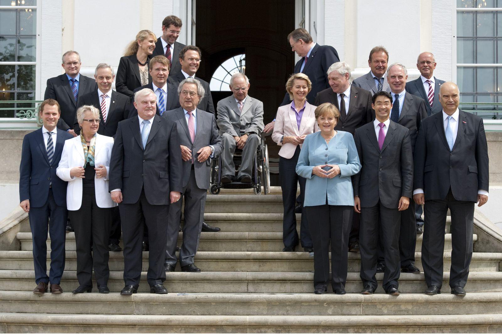 Spitzentreffen mit Sozialpartnern auf Schloss Meseberg