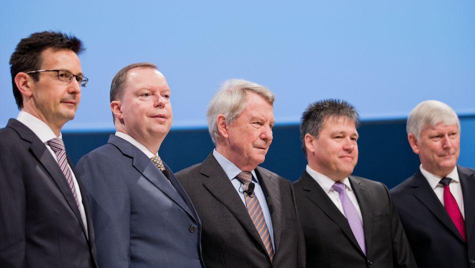 Neuer RWE-Chef: Rolf Martin Schmitz (r.) und der neue Chef der Zukunftsgesellschaft, Peter Terium (2. v. l.)