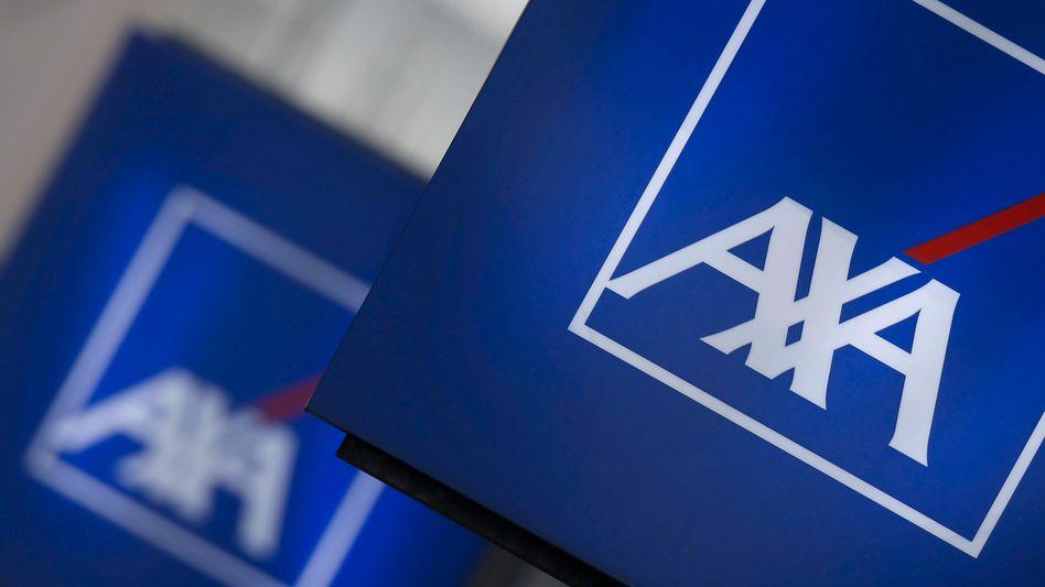 """Axa in Paris: Die """"Platzhirsche der Assekuranz wären insolvent, könnten sie nicht auf Überschussguthaben der Kunden oder auf Übergangsmaßnahmen verweisen"""", kritisiert der Bund der Versicherten"""
