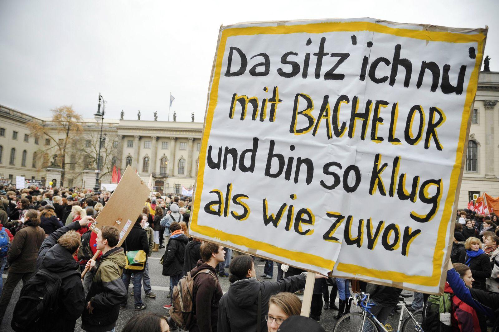 Bachelor / Bildungsstreik / Studenten