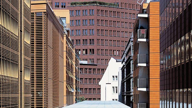 """Potsdamer Platz Arkaden in Berlin: Der Fonds """"SEB Immoinvest"""", dem dieses Objekt gehört, steckt wie viele andere offene Immobilienfonds in Schwierigkeiten"""
