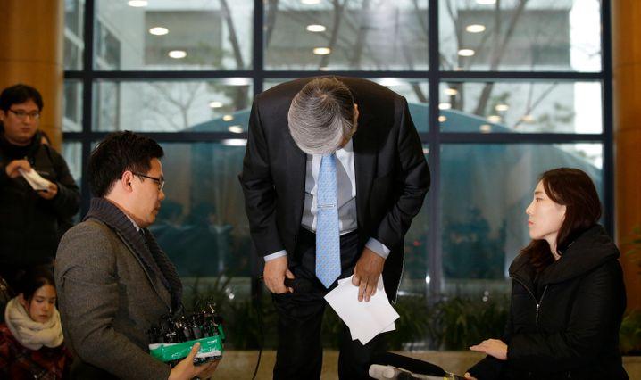 (K)eine ganz normale Familie: Korean-Air-Chef Cho Yang Ho hat sich in der Vergangenheit schon öfter entschuldigen müssen, unter anderem für seine randalierende Tochter