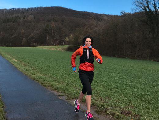 Es läuft: Am Ostermontag erreicht Sonja von Opel Hamburg. 800 Kilometer liegen dann hinter ihr