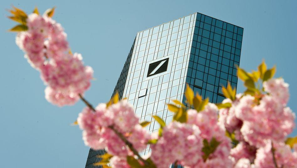 Warten auf den Frühling: Zentrale der Deutschen Bank
