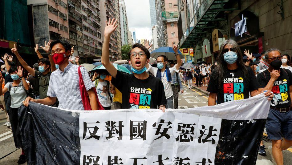 Proteste in Hongkong: Die Polizei nahm bereits am ersten Gültigkeitstag des neuen Sicherheitsgesetzes mehr als 370 Menschen fest