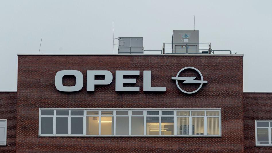 Opel in Rüsselsheim: Weiterer Stellenabbau für verlängerte Jobgarantie im Gegenzug?