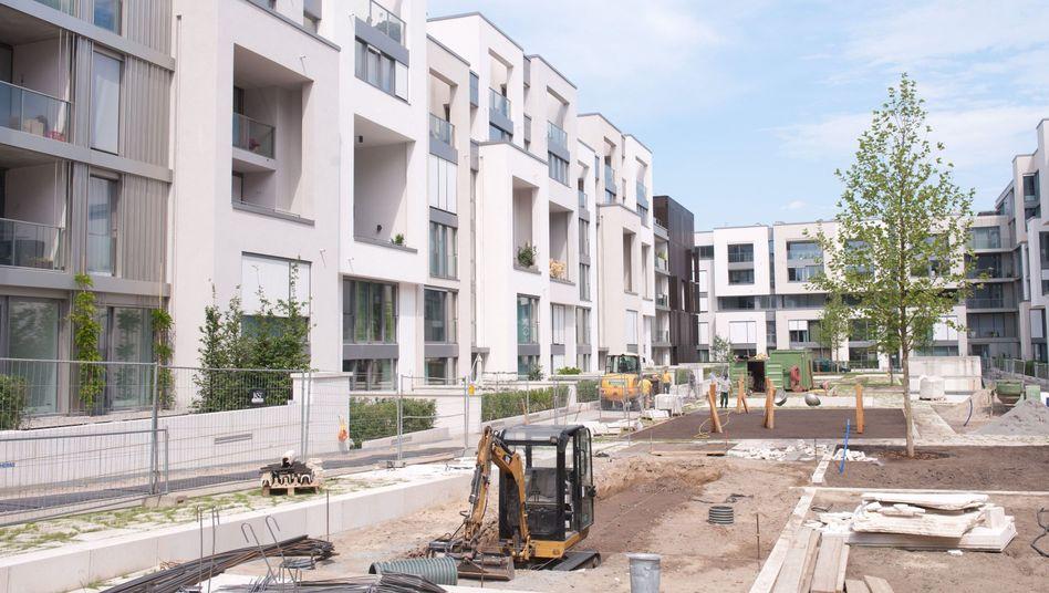 Wohnungen im Bau: Eigentümergemeinschaften sollten sich gut überlegen, wie sie ihr Geld anlegen