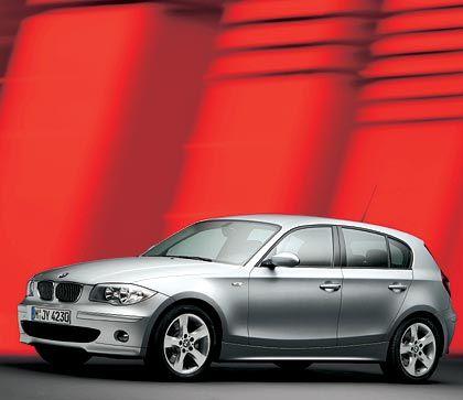 Gewicht verteilt sich im Verhältnis 50/50 auf Vorder- und Hinterachse: Auch beim 130i führt BMW sein Lieblingsverkaufsargument an