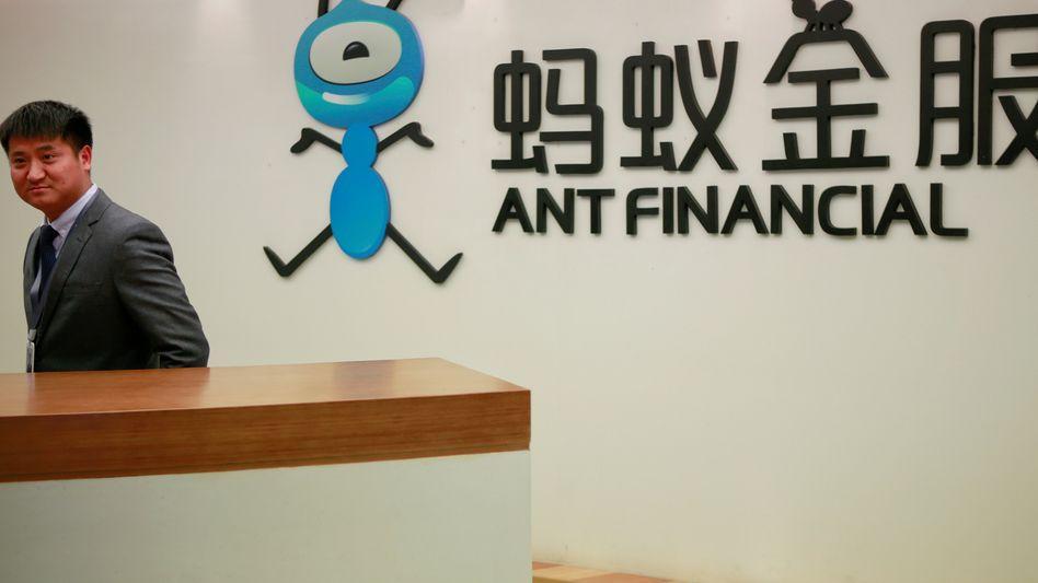 Neben TikTok ist auch die Alibaba-Tochter Ant Financial der US-Regierung ein Dorn im Auge. Sie schreckt nicht davor zurück, das Unternehmen mit Sanktionen zu belegen