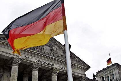 Vergünstigungen beschlossen: Bundestag beschließt Milliardenpaket