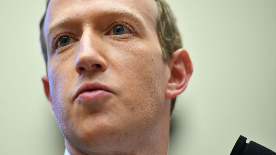 Mehr Entsscheidungsrechte für Nutzer? Was Apple im Bereich Datentransparenz plant, gefällt Facebook-Chef Mark Zuckerberg überhaupt nicht und erklärt Apple kurzerhand zum schärfsten Rivalen