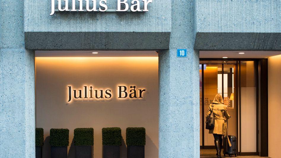Filiale von Julius Bär in Zürich: Zwei Ex-Chefs der Bank wurden von der Finanzaufsicht gerügt