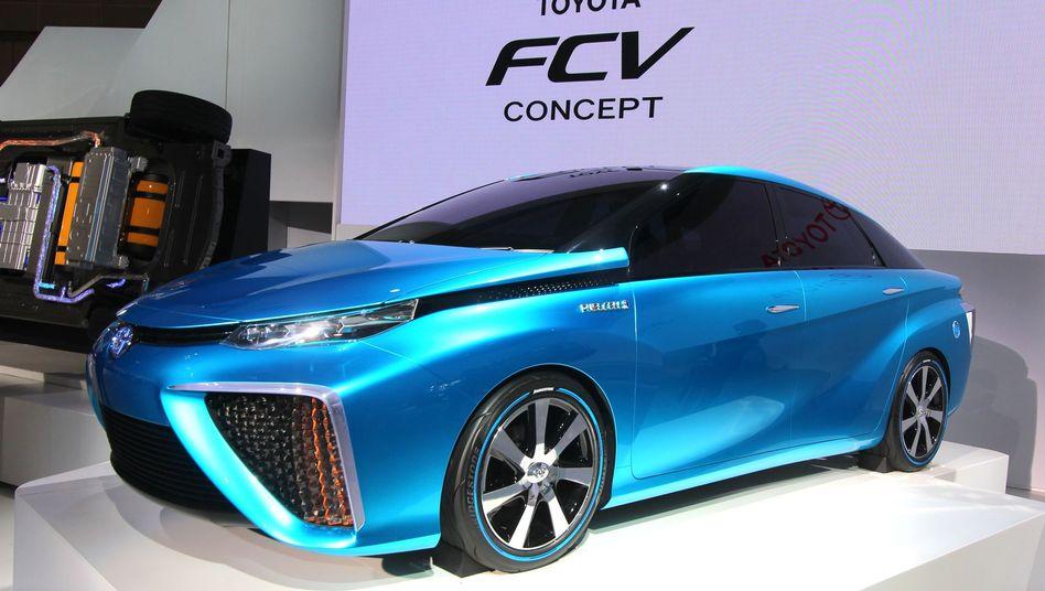 Toyota-Konzeptauto mit Brennstoffzelle: Bereits 2015 soll ein solches Fahrzeug in Serie gehen