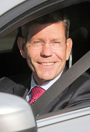 Kündigt Hybrid-Modelle bis 2013 an: Ford-Deutschland-Chef Mattes