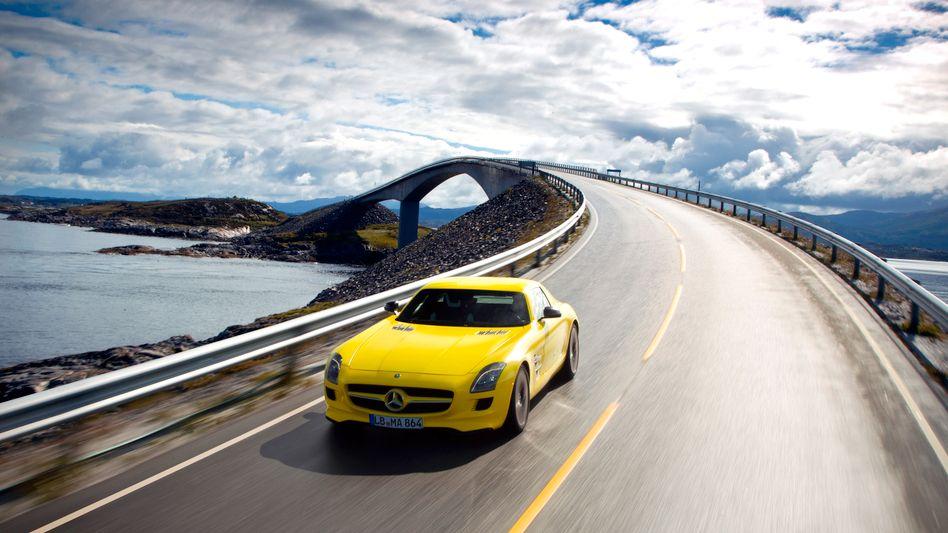 Mercedes SLS Elektro: Daimler plant bis 2020 eine ganze Reihe von Elektroautos. Konzernchef Zetsche beschleunigt den Wechsel zur Elektromobilität