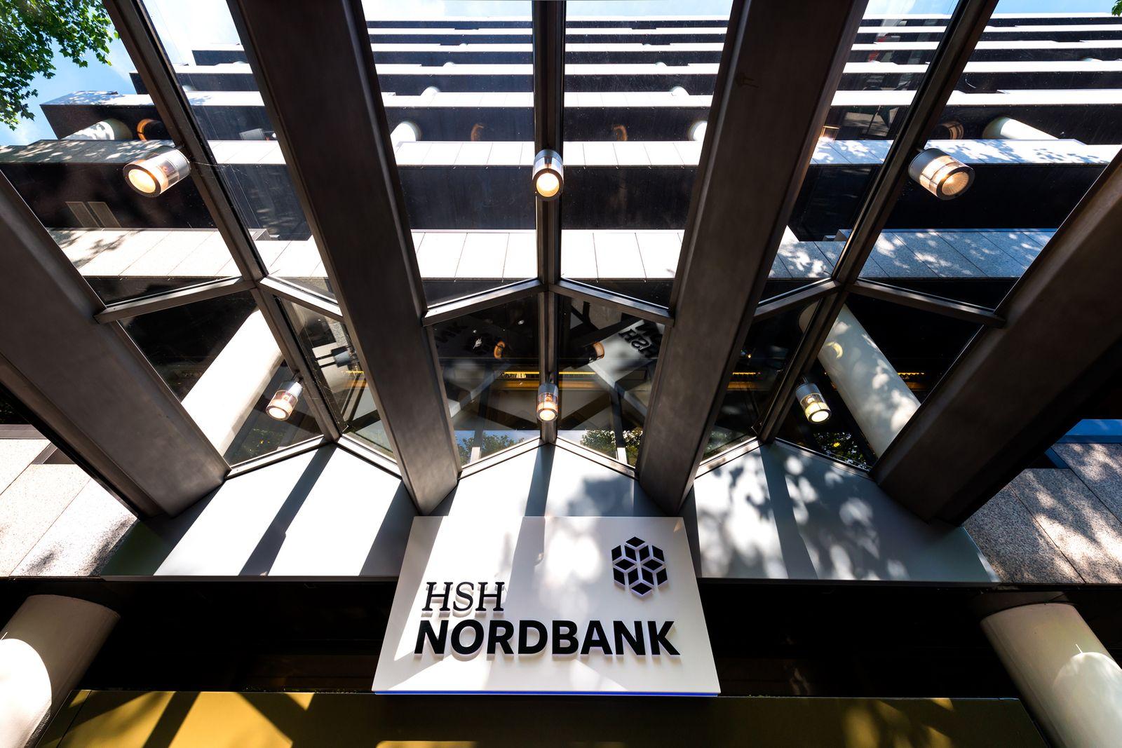 HSH Nordbank / Außenfassade / Logo