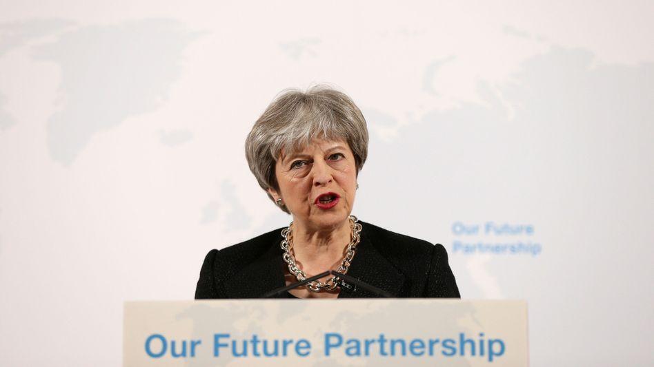 """Großbritanniens Premierministerin Theresa May (Archivbild vom 2. März 2018). Mit """"Partnership"""" war hier damals schon die EU gemeint, nicht Russland."""